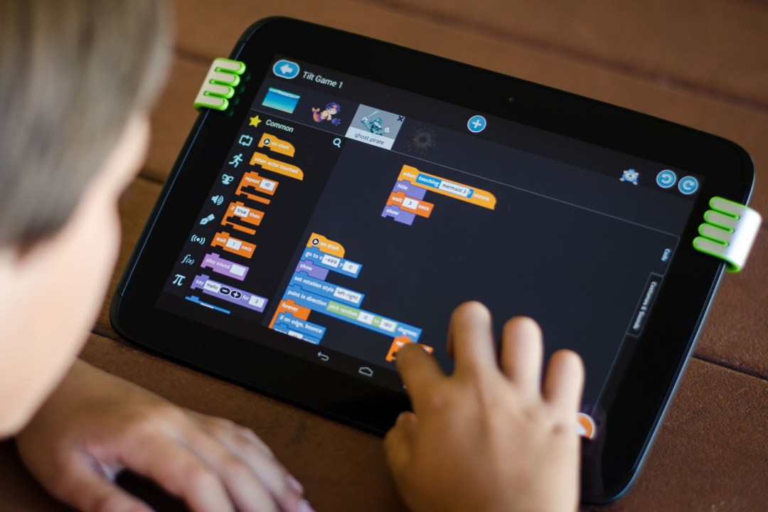 Tynker-Android-Child-Coding-closeup-A