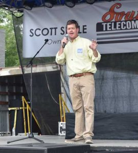 Union County MS Jeff Olson at Ecru MS peach festival