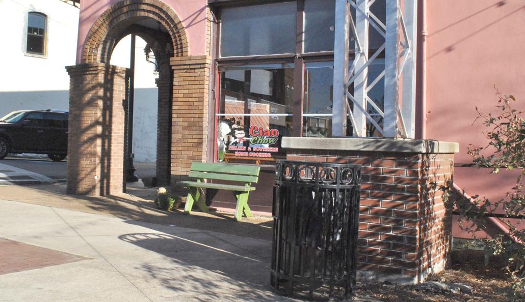 NEMiss.News Trash can on Trailhead plaza
