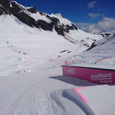 #ssh18 #ssh #swisssnowhappening #slopestyle #5e #boardercross #35e #esscransmontana #swisssnowsports #birg #riggli #muerren #schiltorn #skylinesnowpark #frisek #greatsession #thanks @skylinesnowpark @swissskischool_muerren @esscransmontana @schilthorn_pizgloria @moussafrisek @frisek