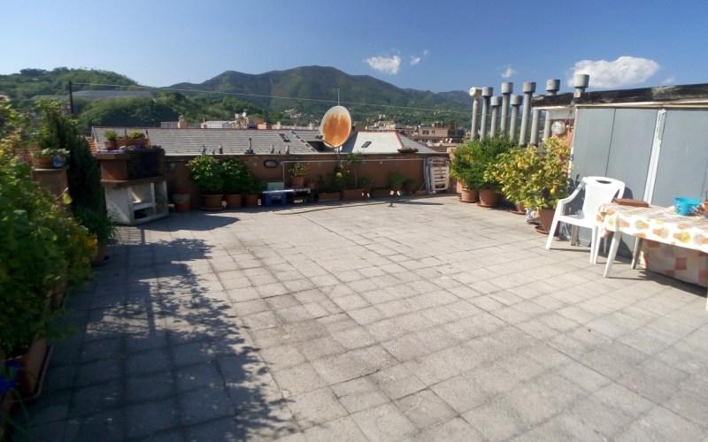 Certosa – Via Fillak inizio Jori – 5 vani con terrazzo