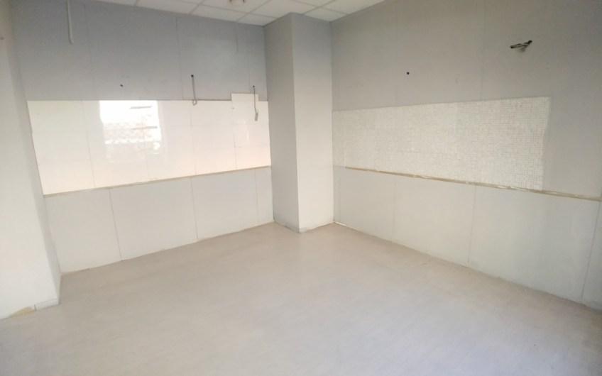 Certosa – Locale commerciale / laboratorio / magazzino – euro 300