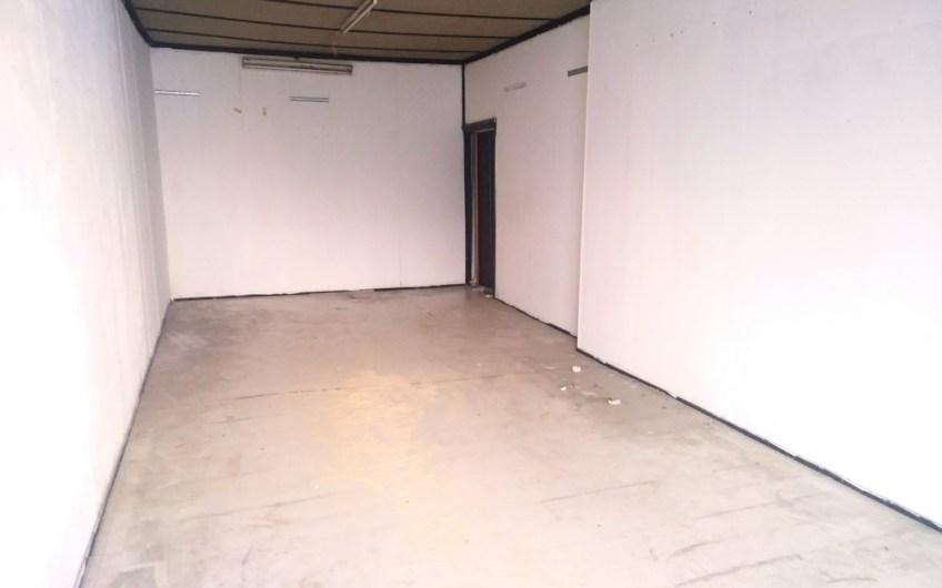 Locale uso commerciale/laboratorio – 110 mq – euro 55.000