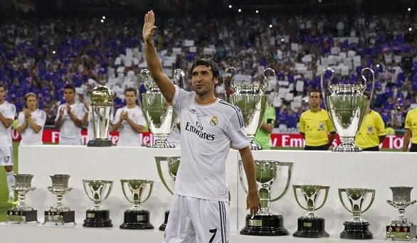 Real Madrid-Al-Sadd-Homenaje Raúl