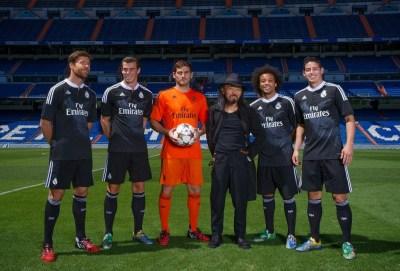 Nueva camiseta negra del Real Madrid para la Champions League diseñador japonés Yohji Yamamoto