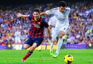 Lionel Messi y Pepe en el clásico madrid barcelona