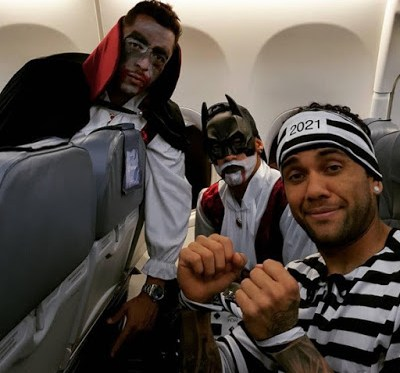 Los jugadores del Barça festejaron Halloween a lo grande Barçaween   dani alves