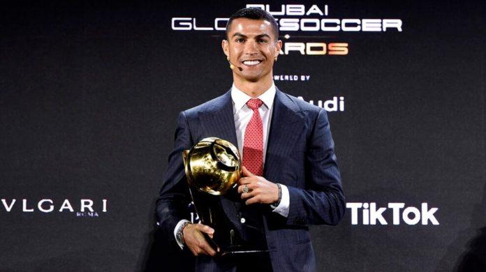 Cristiano Ronaldo Globe Soccer como Mejor Jugador del Siglo