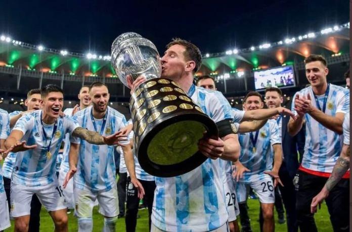 Campeón Copa América 2021 Argentina (tras vencer a Brasil 1-0 en la final del Maracaná)