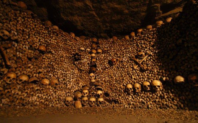 catacombes---paris-yer-alti-mezarlari.jpg