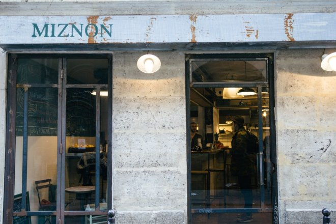 miznon paris - Places To Visit In Paris