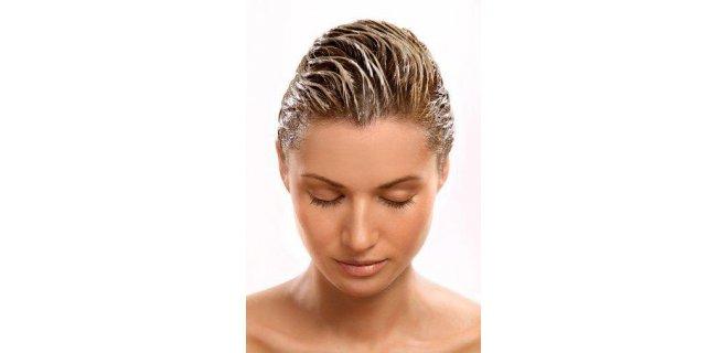 Algae oilin hair care