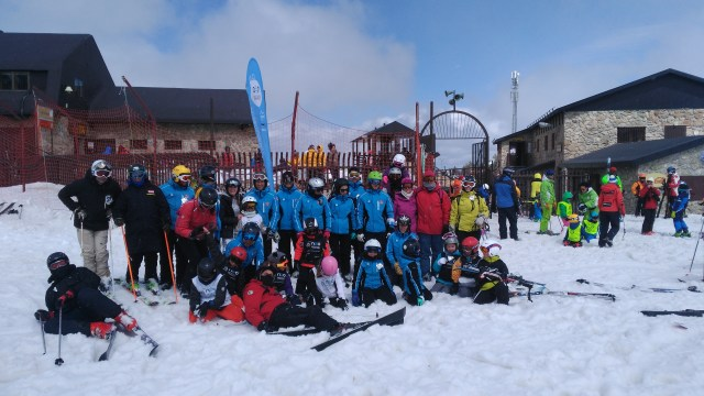 Grupo de socios del Club Neo Mountain