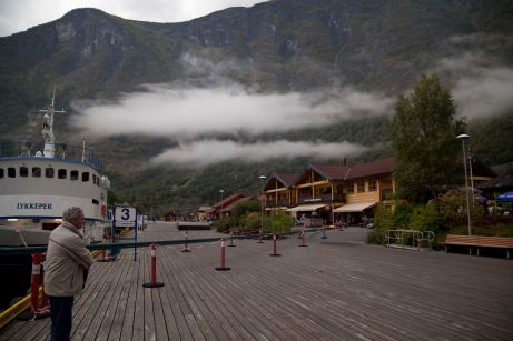 Flaam, Low Cloud