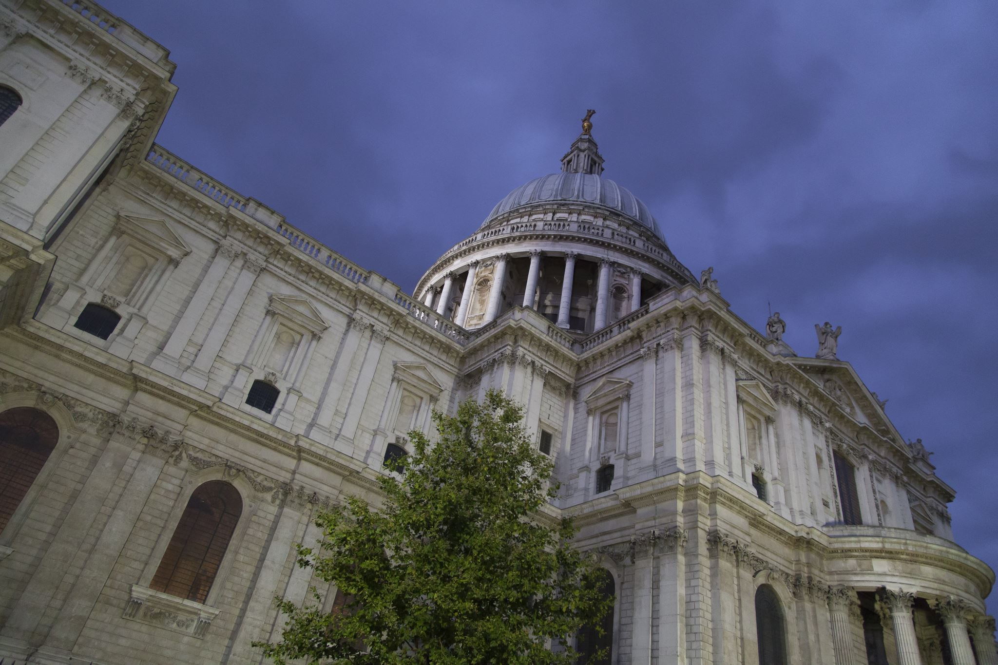 St Paul's Cathedral, Night