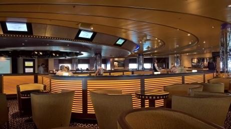 Manhattan Lounge, Azura