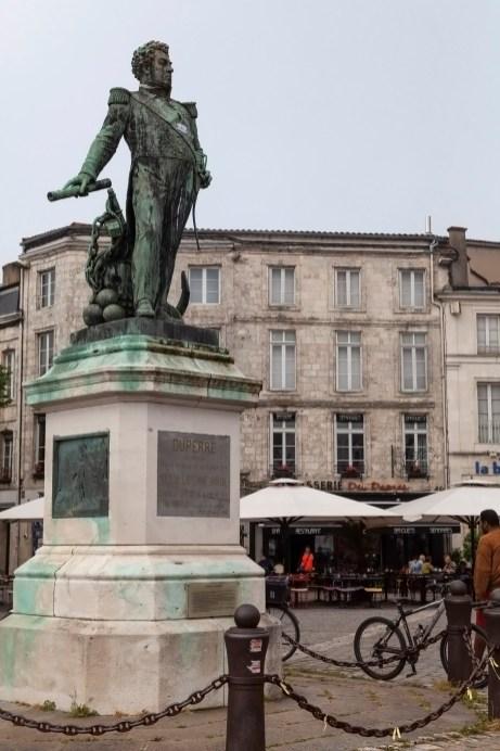 La Rochelle Statue