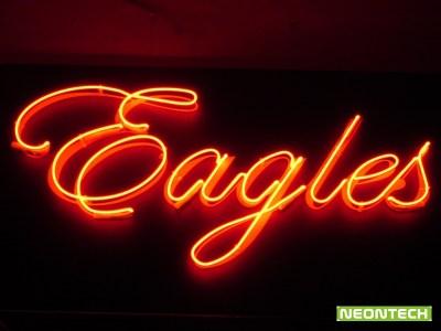 неонов надпис Eagles