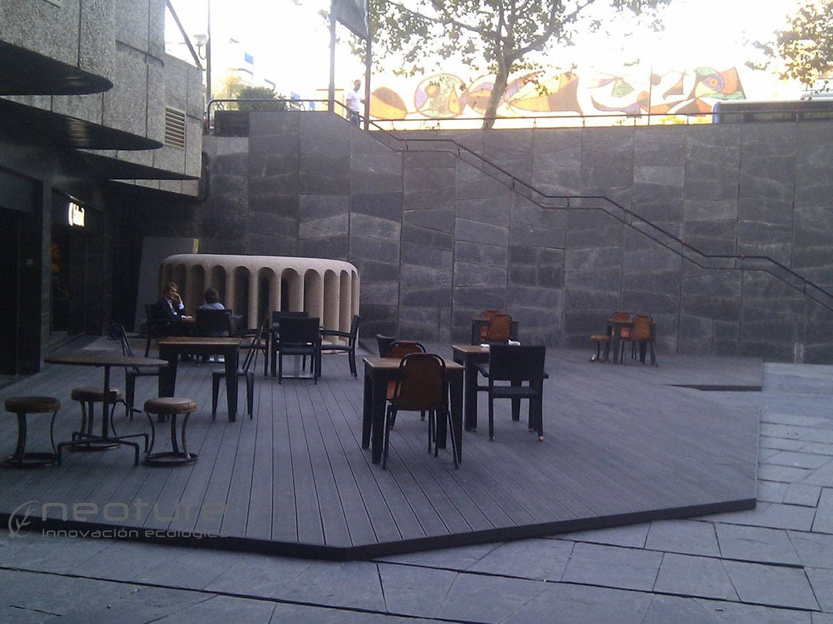 Tarima restaurante de madera sintetica cuesti n de for Restaurante madera