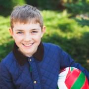 Occhio secco e bambini: aria aperta meglio dello smartphone