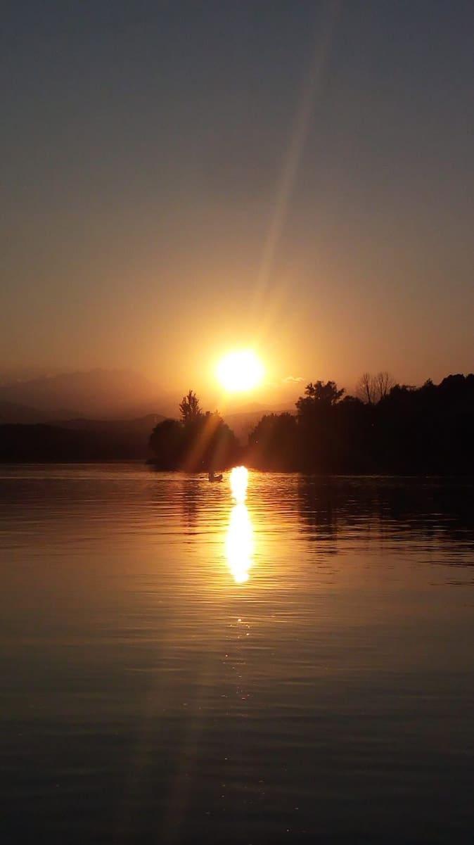 Tramonto sul lago - La visione spaziale
