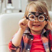 Visita oculistica pediatrica per il ritorno a scuola! Neovision Cliniche Oculistiche