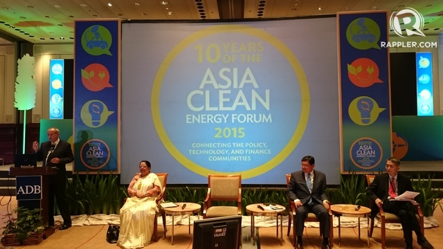 TOWARD CLEAN ENERGY. The 10th ADB Asia Clean Energy Forum brings together (from left) Global Green Growth Institute Director-General Yvo de Boer; Nepal Minister of Energy Radha Kumari Gyawali; Korea Smart Grid Association President Ja-Kyun Ko; and ADB Technical Adviser (Energy) Yongping Zhai, to discuss where the region stands on renewable energy. Photo by Chris Schnabel