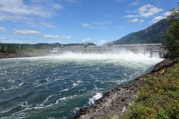 Bonneville Dam in Colombia river