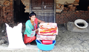 Suma with flood relief supplies