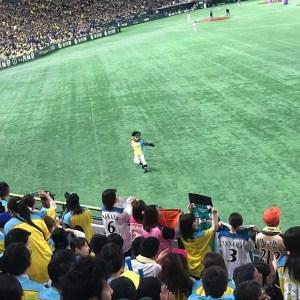 【Instagram】5回表が終わる頃に到着。レアードが寿司握った(ホームラン)のに、同点に追いつかれたとは…。勝ち越して欲しい!#北海道日本ハムファイターズ