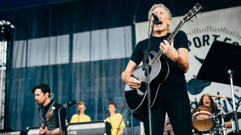 Roger Waters Newport Folk Festival 2015 (14)