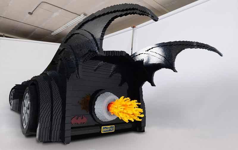 Lego-batmobile-02