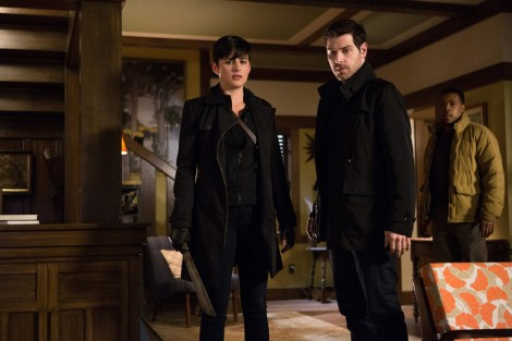 """GRIMM -- """"Headache"""" Episode 421 -- Pictured: (l-r) Jacqueline Toboni as Trubel, David Giuntoli as Nick Burkhardt, Russell Hornsby as Hank Griffin -- (Photo by: Scott Green/NBC)"""