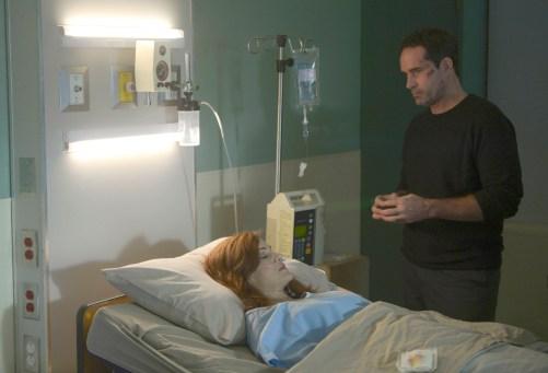 WAYWARD PINES:  L-R:  Guest star Carla Gugino and Jason Patric.  Season Two of WAYWARD PINES premieres Wednesday, May 25 (9:00-10:00 PM ET/PT) FOX.  ©2016 Fox Broadcasting Co.  Cr:  Sergei Bachlakov/FOX
