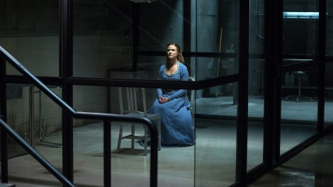 Dolores waits for Bernard... or is it Arnold? [Source: HBO]