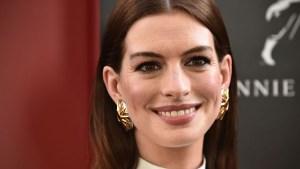 Attenti a quelle due: Anne Hathaway ha preso l'accento da Stewie Griffin