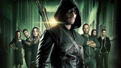Arrow si chiuderà con l'ottava stagione - le reazioni del cast