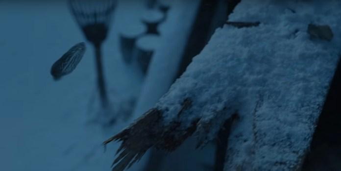 La piuma che abbiamo rivisto nelle scene con Sansa Stark nel primo teaser (Credits: HBO)