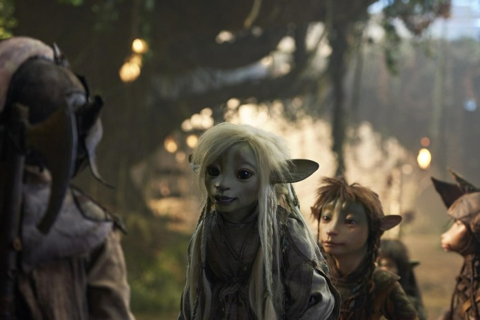 the dark crystal: age of resistance trailer ufficiale della serie prequel di netflix