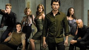 Arrowverse: The CW porterà dei personaggi di Smallville in Crisi Sulle Terre Infinite