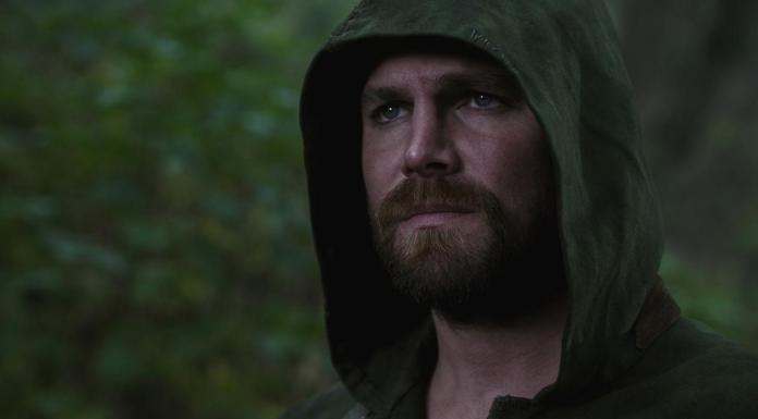 The Flash 6x09, Crisi sulle Terre Infinite - Oliver Queen