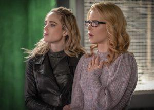"""Arrow 8x10: il ritorno di Felicity nelle foto tratte da """"Fadeout"""", il finale della serie"""