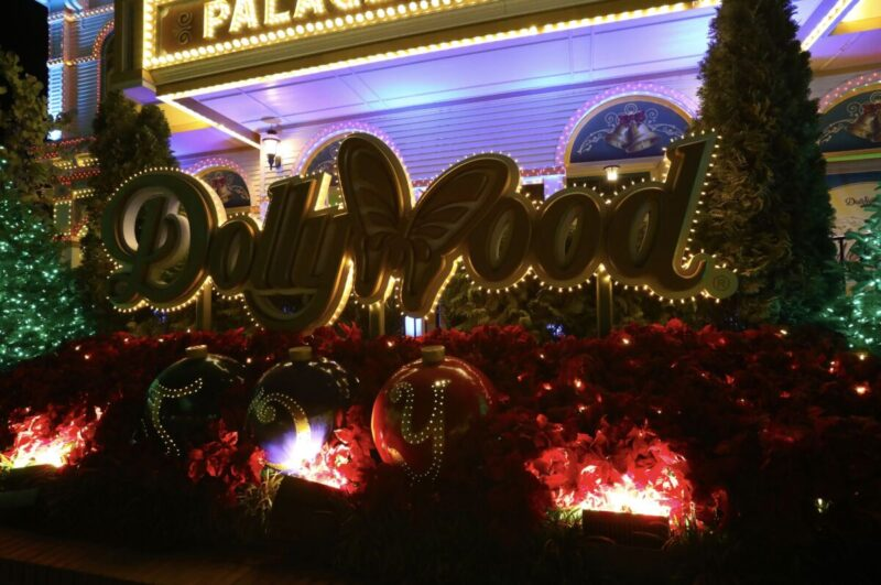 Dollywood Christmas Lights 2021 Enjoy The Magic That Is Dollywood S Smoky Mountain Christmas Nerds And Beyond