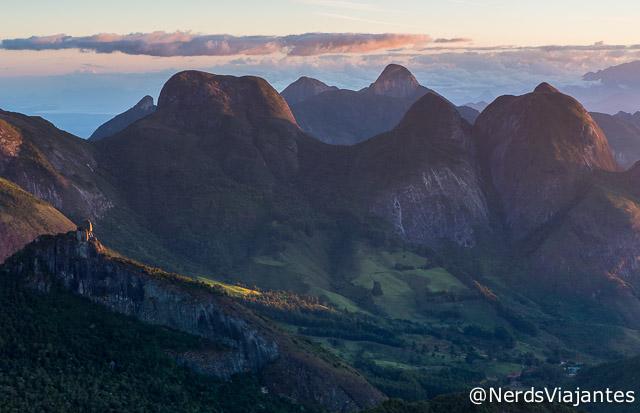 Entardecer nas montanhas da região do Parque Estadual dos Três Picos, no Rio de Janeiro