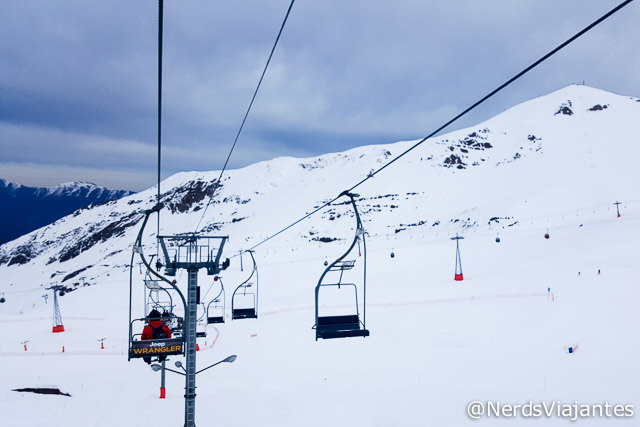 Teleférico rumo a pista no Valle Nevado - Chile