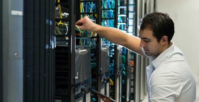 tugas dan tanggung jawab admin server