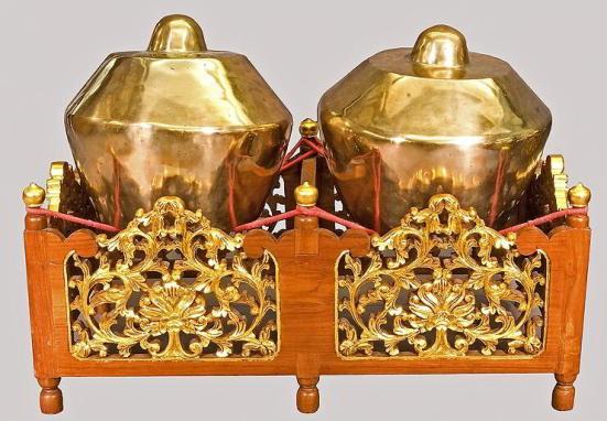 Alat musik Betawi - Alat musik kemong