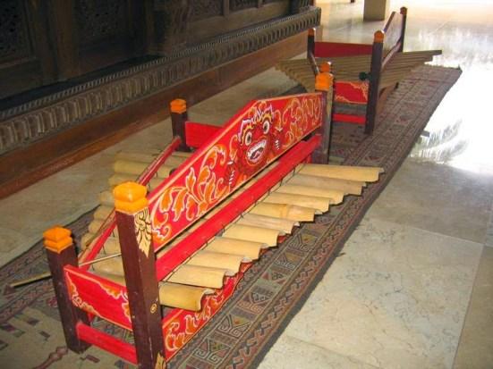 alat musik Bali - Rindik