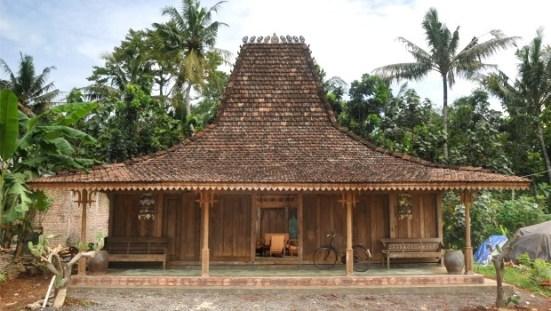 Characteristics of Joglo East Java Traditional Houses