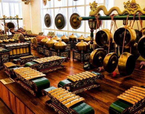 Instrumen gamelan